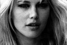 - 1972 (Valeria Mazza)