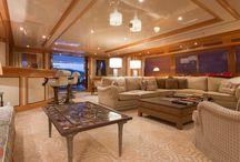 Yacht / Au sein de JP Molyneux studio
