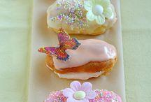 Little cakes  eg eclairs