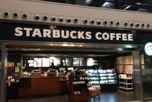 Iluminación led en cafeterías: Starbucks Málaga / Sustitución de las lámparas por luces de led downlight y dicroicas led. Con este simple cambio por iluminación led en la cafetería se ha conseguido un ahorro energético del 63%. http://www.luzledproyectos.com/iluminacion-led-en-cafeterias-starbucks-malaga/