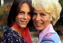Janet Leigh and Jamie Lee Curtis / Janet Leigh and Jamie Lee Curtis by http://www.wikilove.com