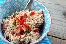 Zelfgemaakte salades. / lekker voor op brood of op een toastje.