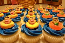 Cupcake Decorating / by Caitlin Lawson