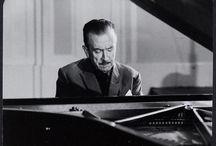 Claudio Arrau / Claudio Arrau León (1903-1991), fue un célebre pianista chileno internacionalmente famoso por sus profundas interpretaciones. Considerado uno de los más destacados pianistas del siglo XX