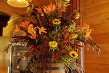 FLOWER BOUQUETS & PLANTS IN SMALL CONTAINERS / FLOWER BOUQUETS & PLANTS IN SMALL CONTAINERS LIKE VASES, COFFEE/TEA CUPS/POTS, PITCHERS, TIN CANS, MASON JARS, BOTTLES, BASKETS, POTS ECT......