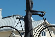 Жещина и велосипед  Woman and bicycle