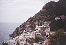 A gorgeous wedding in the Cliffside Village of Positano, Italy / Beautiful photos from Siobhan and James' wedding day! Last week we also shared their wedding story on the blog, if you haven't already read all about their speical day here - http://www.thebridalconsultants.com/real-italy-wedding-siobhan-and-james-2016/