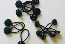 Horquillas con botones y forradas / Horquillas con botones de colores y botones borrados