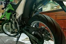 motorcycle / Only two wheels