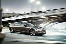 Yeni BMW 7 Serisi / Yeni BMW 7 Serisi, sportif şıklığını kendine has çekiş teknolojisi ve gösterişli konforuyla harmanlıyor. Yeni LED farlar, yenilenmiş ses geçirmeyen iç dizayn, geliştirilmiş sürüş konforu, kapsamlı araç kiti ve en gelişmiş güvenlik teknolojisiyle sürüş keyfinizi en üst seviyeye taşıyor. BMW 7 Serisi ile ilgili daha fazla bilgi edinin: http://www.bmw.com/7Series