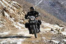 ROYAL ENFIELD HIMALAYAN / THE HIMALAYAN COMBINES OUTSTANDING VERSATILITY AND ALL-DAY COMFORT FOR ALL RIDES. LONG-TRAVEL SUSPENSION, NATURAL UPRIGHT RIDING POSITION, A DURABLE AND TORQUEY ENGINE ALL ADD UP TO A COMFORTABLE RIDE FOR YOU, WHETHER IT'S ON THE HIGHWAY, CITY STREETS, OR REMOTE MOUNTAIN ROADS. THE HIMALAYAN IS FIT TO BE YOUR ONLY MOTORCYCLE.