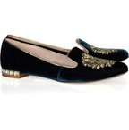 flat shoes / by thretis hfb