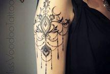 felkar tattoo