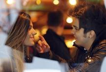 Te ver feliz é o que me faz viver! / Enquanto a vida vai e vem você procura achar alguém que um dia possa lhe dizer: Quero ficar só com você.. (Renato Russo)
