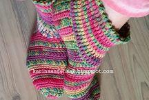 Sapatos de tricô e crochê