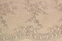 Gelinlik dantel / Gelinlik dantel kumaşı ve gelinlik dantel modelleri ile gelinlik dantel çeşitleri Kaptan kumaş mağazaları raf ve reyonlarında beğeninize sunulmaktadır. 4447578