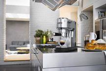 Espressomaschinen / Heiß, schwarz, schnell: Ein selbst gemachter Kaffee, Mocca, Caffe Latte oder Espresso ist einfach das Beste!