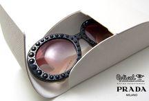 Prada New Arrivals 2014 / Mία συλλογή που αντλεί έμπνευση από τον μαγικό της κόσμο της μόδας του οίκου PRADA…  Χειροποίητα αριστουργήματα, διακοσμημένα με λαμπερά κρύσταλλα που συνδυάζουν εξαιρετικά  υλικά και ανώτερης ποιότητας κατασκευή επιβεβαιώνοντας την μοναδικότητά τους. Θα τα βρείτε σε επιλεγμένα καταστήματα οπτικών Optical Papadiamantopoulos.