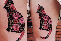 Inspirações (Desenhos e Tattos) / Quem já fez uma tatuagem, sempre vai ter uma coleção de fotos de tatuagens que gosta, são lindas, que um dia você irá fazer, ou até aquelas que não cabem em você, mas você precisa mostrar para alguém!
