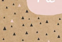 Trend: Kraft paper / Birth announcements made out of Kraft paper, to give the card a sturdy look. Kraft paper is made from coarsely crushed paper, made from recycled paper pulp.