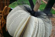 Library Bulletin Boards / by Linda Rank