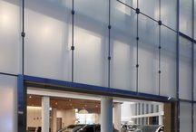 Auto Dealers / コーポレートアイデンティティと共鳴する空間デザイン。 自動車販売会社、カーディーラー施工