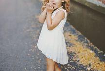 可愛すぎる / 小さな女の子、容姿だけでなく仕草まで・・・。