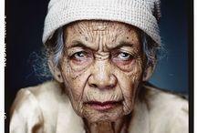 Mooie mensen op leeftijd / Is het niet schitterend, al die mooie mensen? Van oude mensen en dingen die voorbij gaan...... / by Sophieke