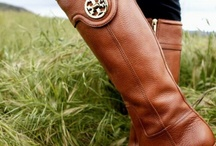 Shoes! / Pasos firmes acompañados de un toque de estilo.
