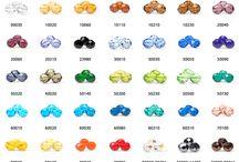 Särmikkäät tsekkiläiset laadukkaat lasihelmet, Preciosa / TSEKKILÄISET SÄRMIKKÄÄT LASIHELMET valmistetaan hiomalla särmät tavallisiin pyöreisiin lasihelmiin. Lopuksi lasi vielä kuumennetaan uudelleen kiillon aikaansaamiseksi. Valikoimassamme on nyt koot 3 mm, 4 mm, 6 mm ja 8 mm. Värivalikoima kattaa upeat 35 eri väriä ja samat värit löydät jokaisessa koossa.  http://www.helmikauppa.com/uudet-sarmikkaat-c-845.html