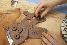 Keramika s dětmi zvířátka
