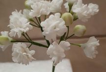 Gum paste filler flowers
