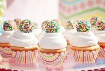 Cupcakes and Muffins / by Brandy Girouard
