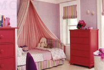Girls Bedroom Decorating Inspiration / by Laura Cline (Chaotic Lucidity)