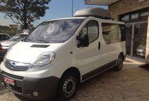 OPEL Vivaro Minibus 9 Posti 2.0 CDTI (120 CV) € 13.800 / km 113.000 del 06/2008 Diesel-Doppio clima ant./post.-Cambio manuale-Chiusura centralizzata-2000 cm3- Radio cd + comandi volante-4 porte-0-6 airbag-Bianco-Tessuto grigio