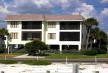 Gulf Coast Villas for rent / Villas to rent on the Gulf Coast of Florida. Blue skies and soft white sand, a lazy tropical lifestyle with 250 miles of coast line and un-crowded beaches.