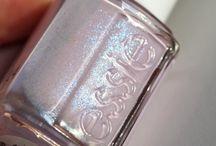 Glitter / Disco balls, pumps, nail polishes, gloves. If it's got glitter, good.  / by makeupandbeautyblog