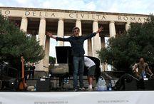Gaetano Cappa, vocal coach @X Factor Italia / autore, regista e speaker radiofonico, compositore, musicista appassionato di Ukulele, cantante, disegnatore... a X Factor e su Radio24 ( @Chiedo Asilo) Biografia: http://www.metamorgan.it/blog/intervista-a-gaetano-cappa/ Videointervista:http://www.metamorgan.it/blog/intervista-a-gaetano-cappa-vocal-coach-di-morgan-a-x-factor-6/ http://www.barlumen.com/