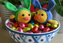 Easter Chick and Bunny / It is allmost easter and there is an invasion of bunnies and chicks