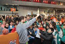 Copa del Rey de Baloncesto A Coruña 2016 / La Copa del Rey de Baloncesto de A Coruña 2016 ha sido uno de los eventos deportivos del año. Los mejores equipos de la Liga ACB rivalizaron por ver quien era el mejor. Al final, el Real Madrid resultó campeón frente al Herbalife Gran Canaria en una disputada final.   Pero la gran ganadora fue sin duda la afición, que disfrutó de los múltiples atractivos de la ciudad durante la celebración de la competición.