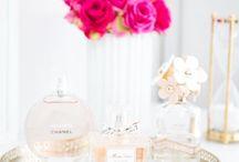 Pour perfume