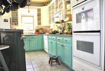Kitchens / by Alexis Schell