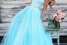 šaty (dress)