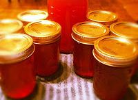 Home Canning / Home canning recipes! Learn how to preserve those yummy fruits and veggies so they never go to waste!