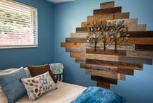 Antique Wood Accent Walls / Thin rustic wood planks ideal for accent walls and crafts.