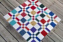 Ønskeblokken: Dissappearing Four Patch / Quilts og lappeteknikk med ulike Four Patch mønstre. Utrolig mange varianter med denne metoden!
