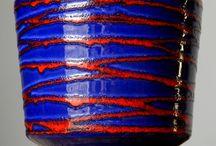 Fat Lava vs Op Art / Blumenvase / Tischvase / Vasen / Porzellanvase / Keramikvase / Henkelvase / Kugelvase / Bodenvase / Deutsche Studiokeramik / Deckelvase / wgp - west german pottery art / ceramic / keramiek / op art / 1970s 70s / space age / 1960s 60s / fat lava / volcano vulcano / crusty / 1950s 50s / 20th mid-century / art deco / panton ära VS OP art porzellan