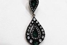 Jewelry & Body Decoration / Jewelry among other things / by Jennifer Yanira
