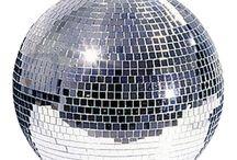Discoteca y Fiesta / Iluminación espectacular para discotecas caseras y profesionales, bolas de espejos y proyectores con LED y luces de colores
