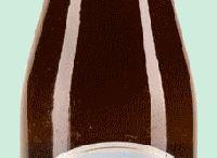 Bières Belges Blanches / La blanche est une bière fabriqué d'une large proportion de froment, le taux de froment varie de 30 à 60%. Le brasseur utilise des ingrédients habituels tels que l'orge malté et différentes épices. Les bières blanches constituent une boisson désaltérante et généralement non filtrées. Elles se caractérisent par un aspect trouble et blanchâtre, ce pourquoi on l'appelle «blanche». www.chockies.net